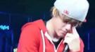 Justin Bieber, llorando en un concierto