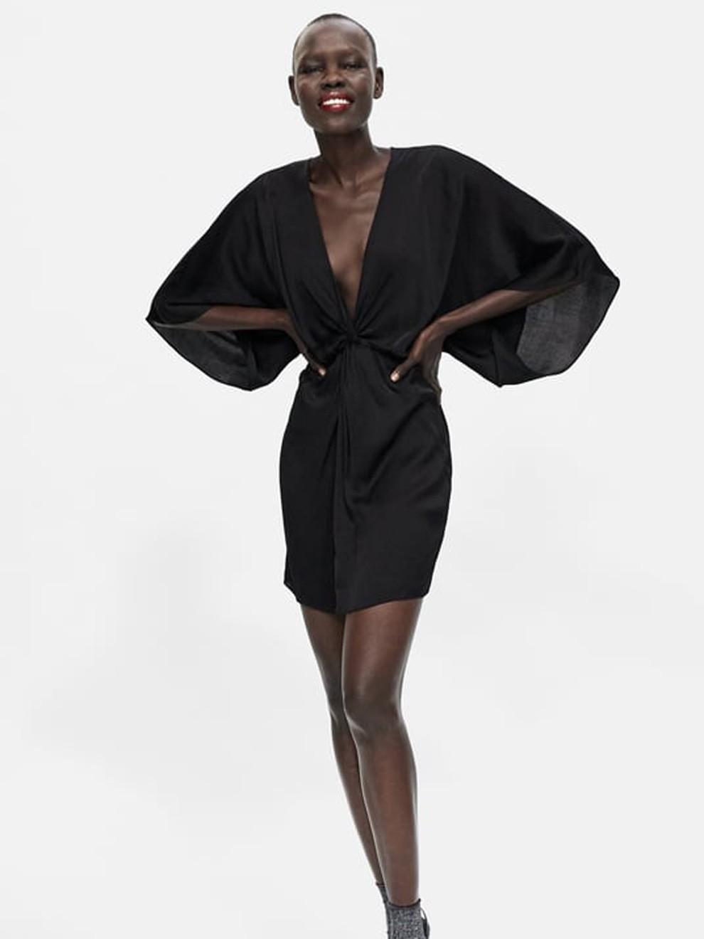 Para las más sexys: vestido negro corto de Zara