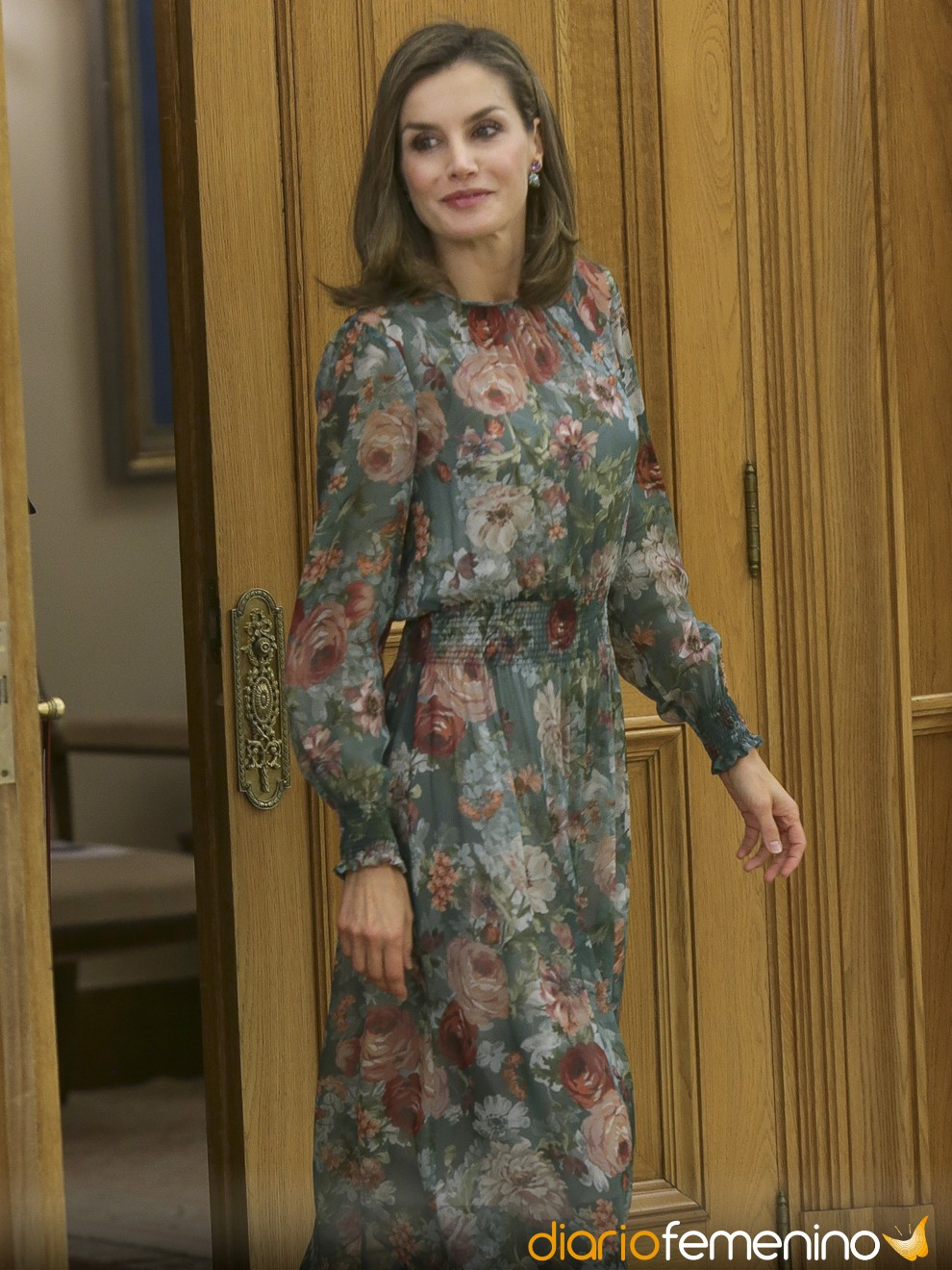 aacd757634 24 vestidos de Zara ideales para Nochevieja 2018-2019