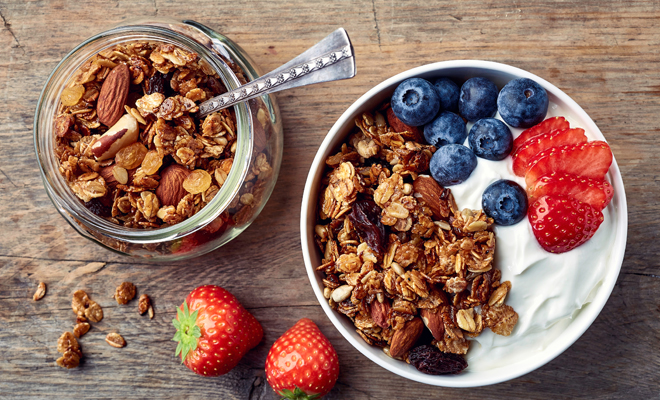 Desayunos con avena y frutas para adelgazar