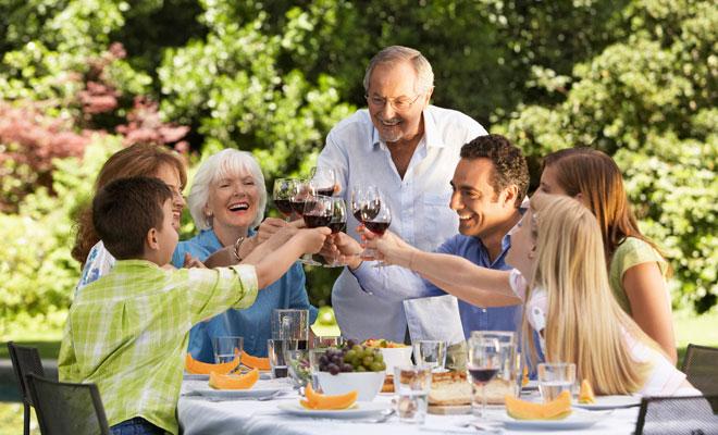 El significado de los sueños con reuniones familiares