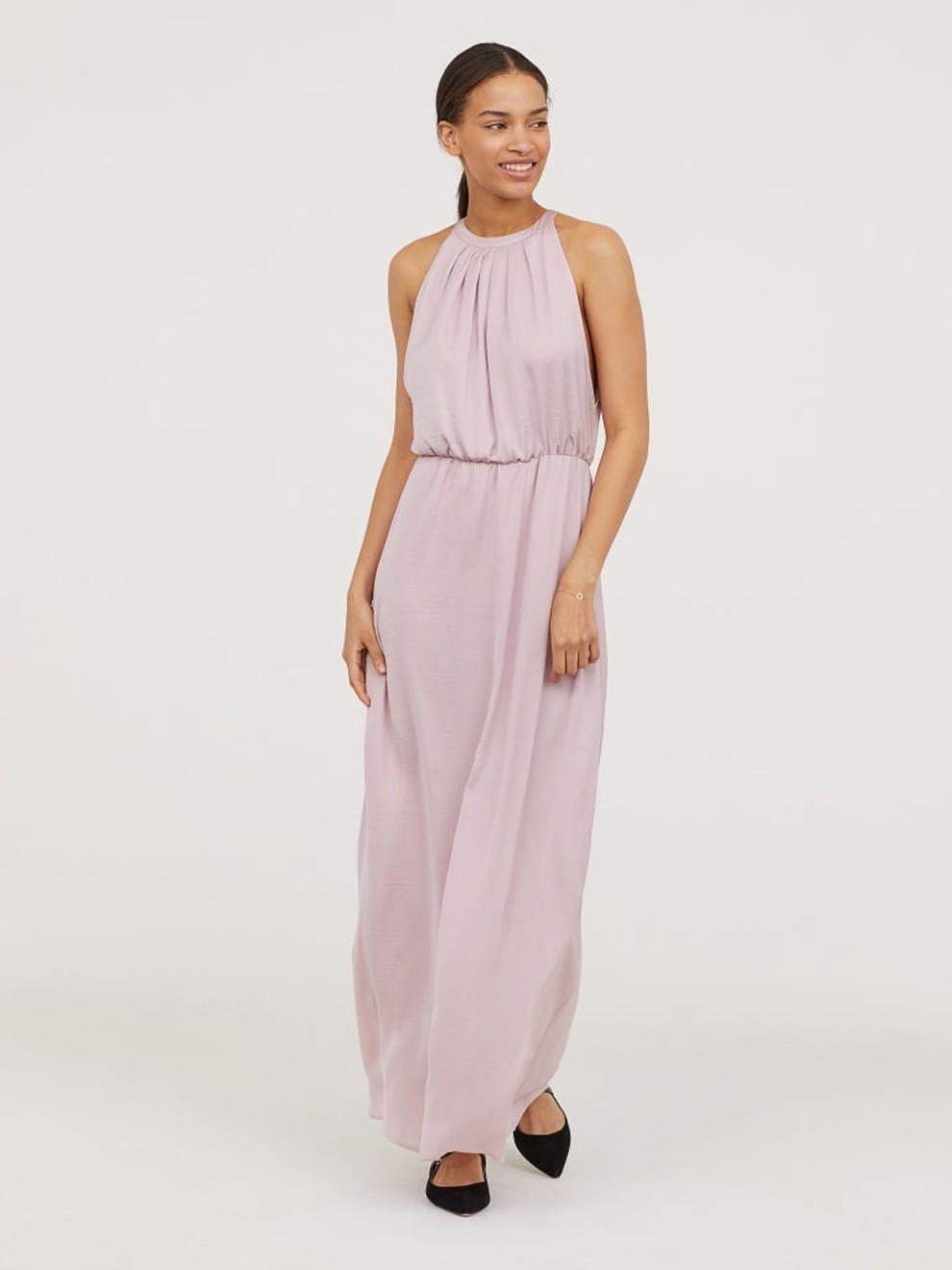 Vestido rosa cuarzo para triunfar en 2019 de H&M por 39'99 euros