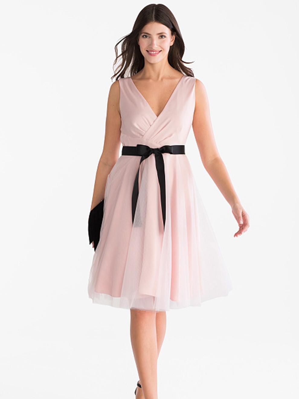 Vestido corto en color rosa de C&A por 79'90 euros