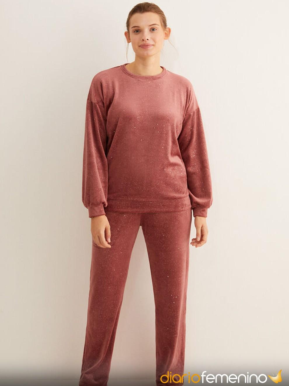 Pijama color teja con lunares de Women'secret para Nochevieja 2020/2021