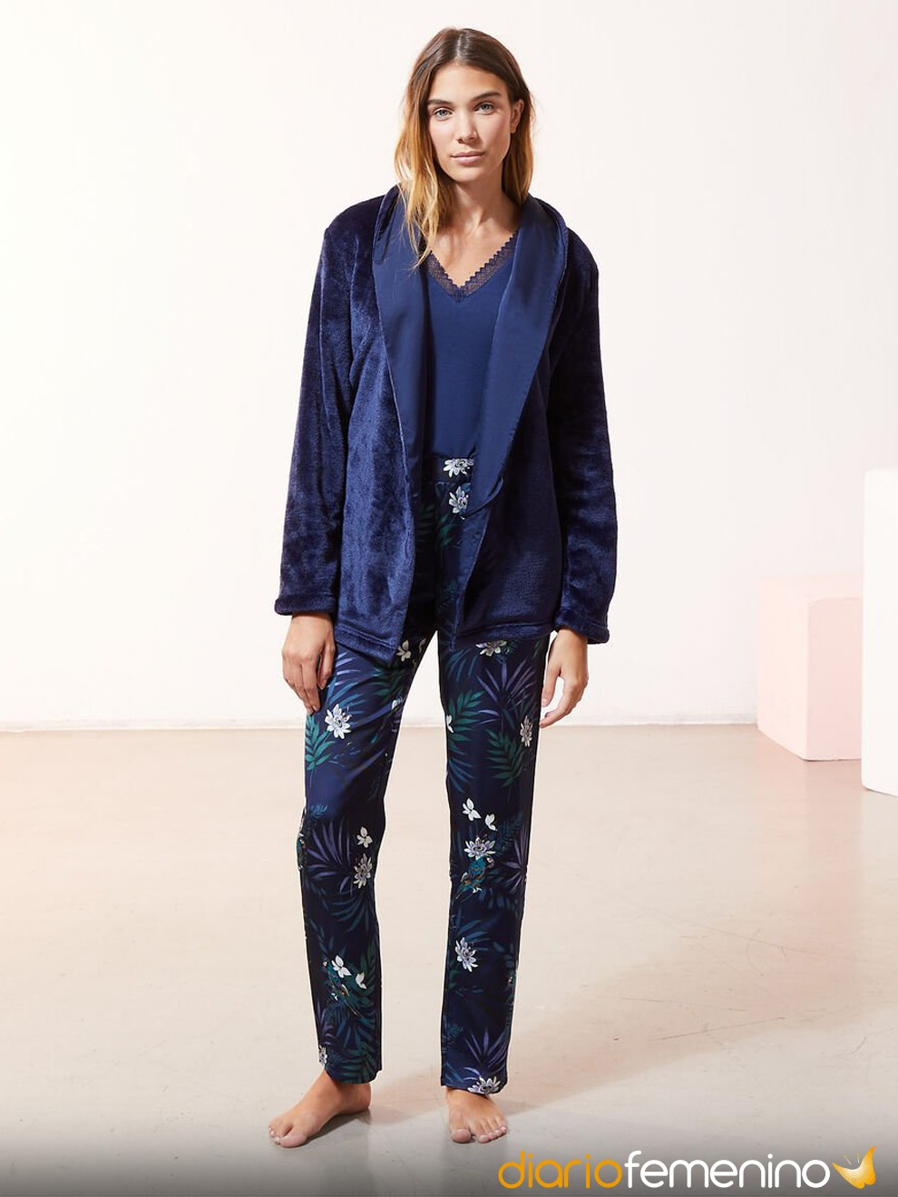 Pijama azul eléctrico de Etam ideal para Nochevieja 2020/2021