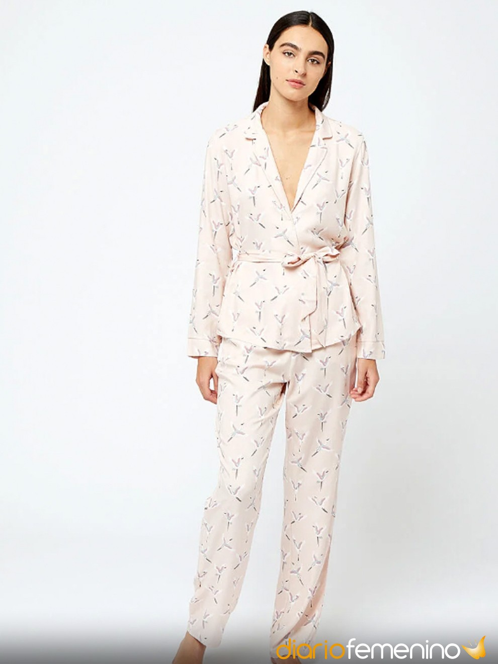 Elegante pijama de Etam con flores para Nochevieja 2020/2021