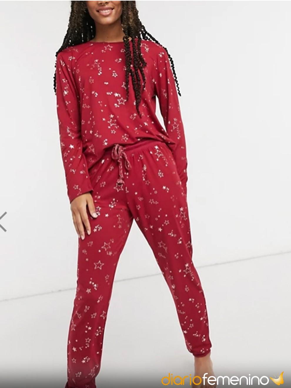 Pijama de color rojo de ASOS para Nochevieja 2020/2021 en casa
