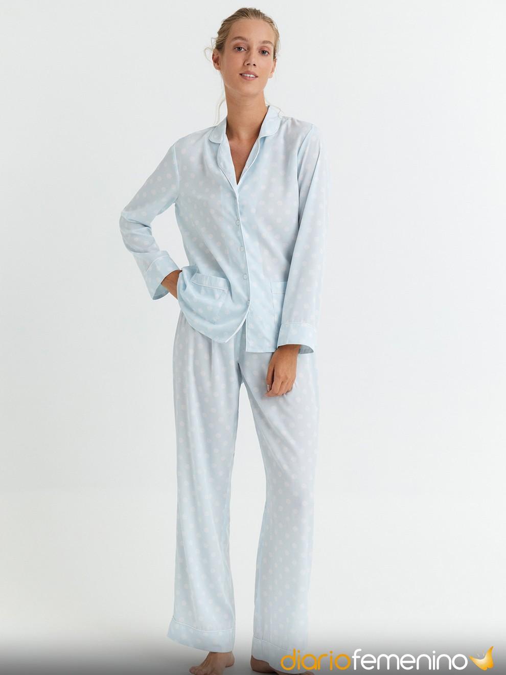 Sencillo pijama azul de Sfera para Nochevieja 2020/2021