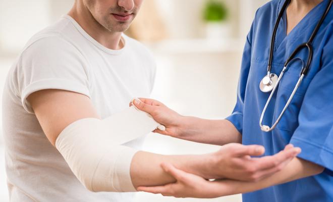 Cuándo ir al doctor por un corte o herida: señales de alarma