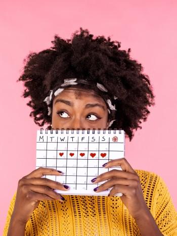 Soñar con la menstruación: cambia de ciclo vital