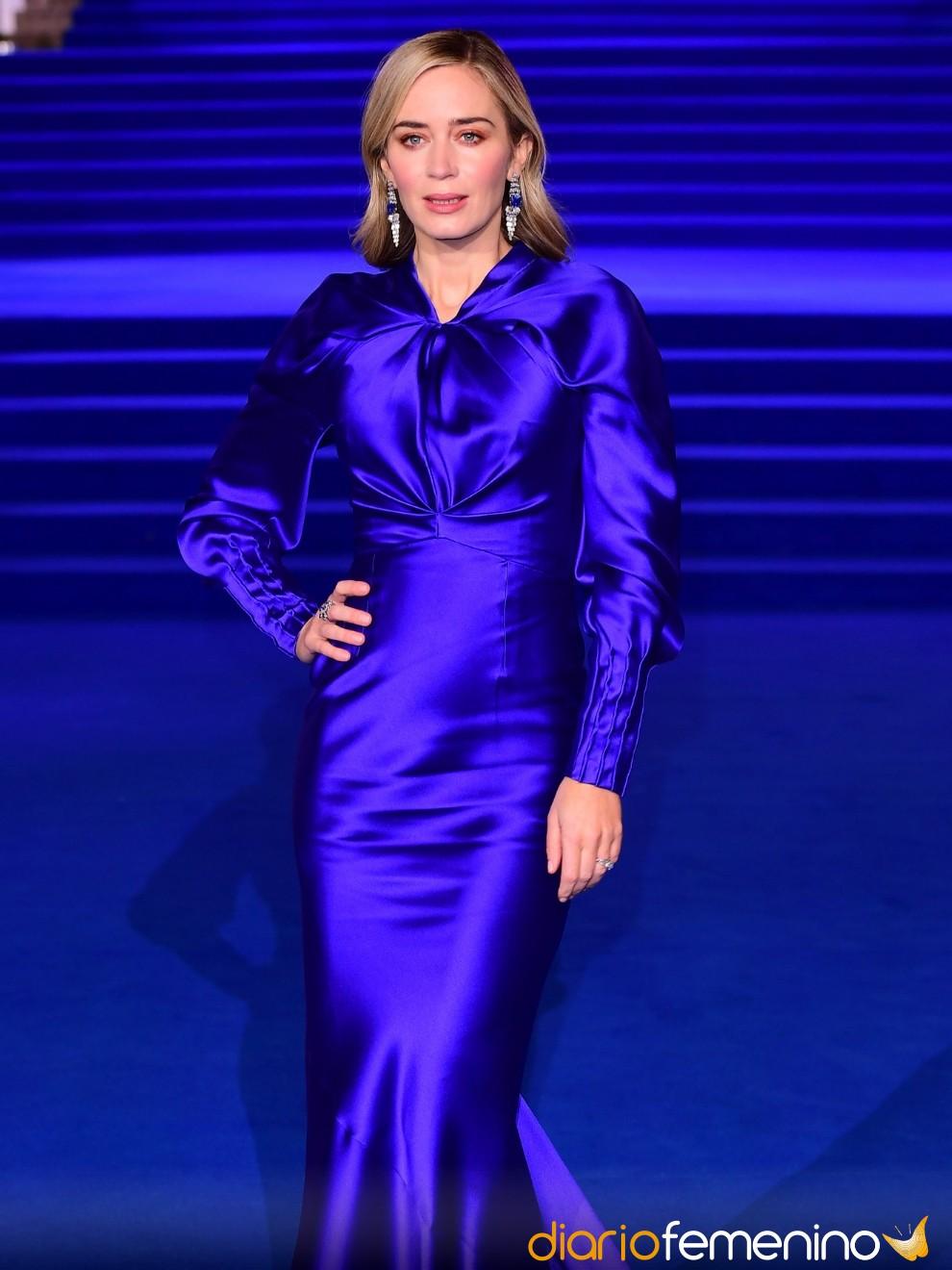 7af0af584 Cómo pintarse los labios para que combinen con un vestido azul