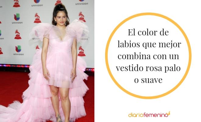 Pintarse Los Labios Para Un Vestido Rosa Palo Tonos Impecables