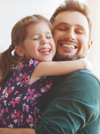 34 poemas para el Día del Padre: bonitos y emotivos versos