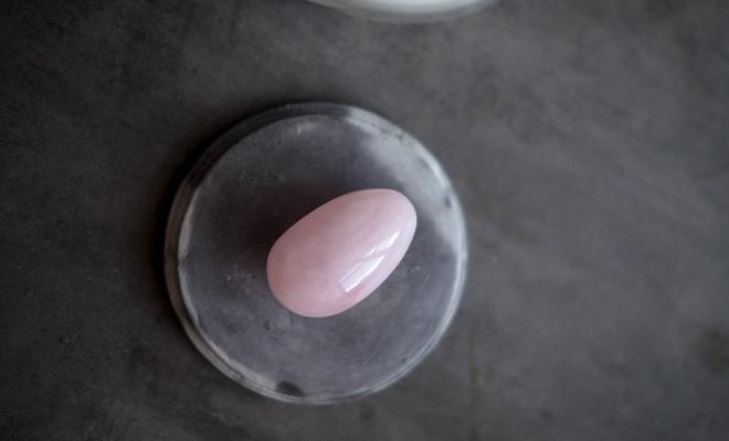 Los beneficios y riesgos de los huevos de vagina
