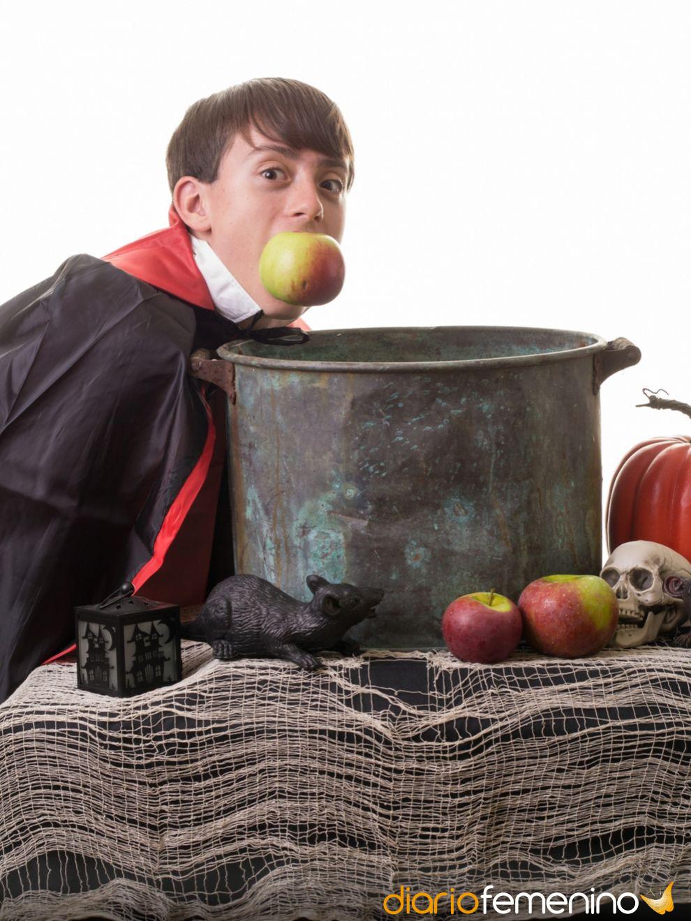 Juegos para Halloween: el juego de las manzanas