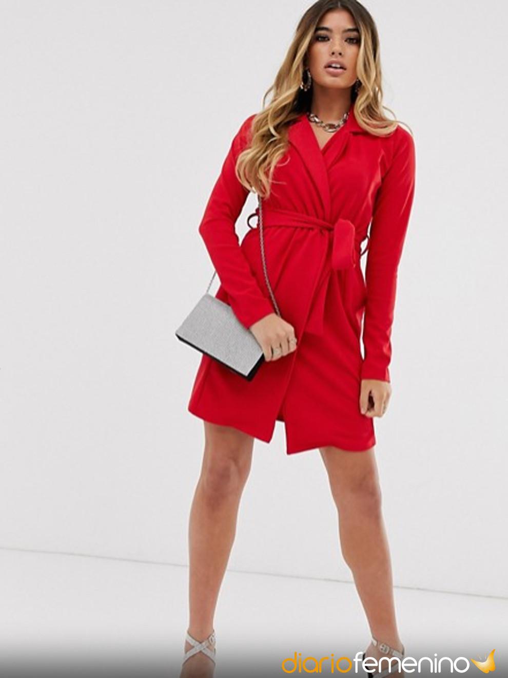 Vestido tipo esmoquin rojo de ASOS para Nochevieja 2019-2020