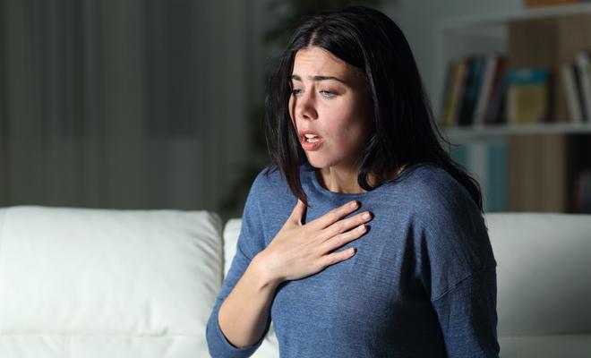 Que provoca la falta de aire en los pulmones
