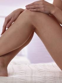 Piernas suaves y sedosas con un masaje natural