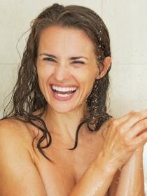 Risoterapia en la ducha y el jardín