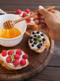 Sustitutos del azúcar: miel de abejas, melaza y estevia