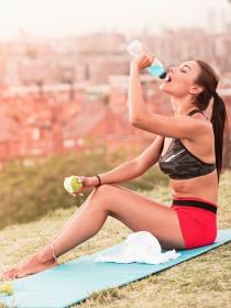 El agua es vital para combatir el envejecimiento y el sobrepeso