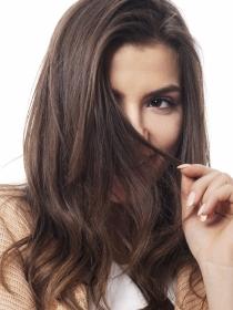 Tratamiento casero contra la caspa y la falta de brillo del pelo