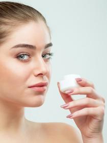 Antes de ir a la cama, cuida de tu piel