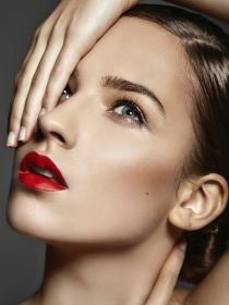 Cómo maquillarse para disimular las ojeras