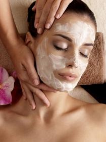 Tratamiento facial con ácido bórico para acné y quemaduras