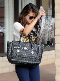 Justin Bieber lleva a Selena Gomez al límite: ingresada por problemas emocionales