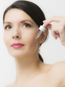 ¿Es el sérum un remedio eficaz contra el envejecimiento de la piel?