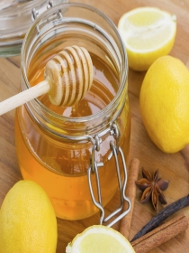 Por qué miel y limón para el dolor de garganta. ¿En realidad funciona?