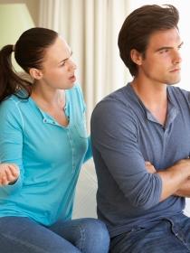 Mujeres y hombres: ¿los hombres no escuchan o las mujeres hablan demasiado?