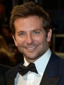 Bradley Cooper y DiCaprio, duelo de guapos en los Oscars 2014
