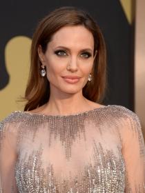 Oscars 2014: Angelina Jolie y Brad Pitt pueden con Matthew McConaughey y Camila Alves