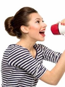Dolor de garganta por alzar la voz o gritar