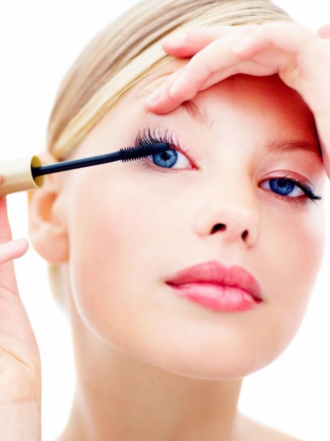 C mo maquillarse para disimular los ojos ca dos - Menstruacion dos veces al mes ...