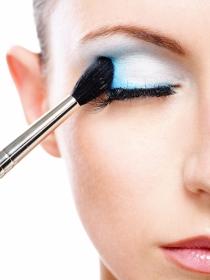 Cómo maquillarse los ojos para hacerlos más grandes