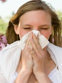 El dolor de garganta que llega con la primavera