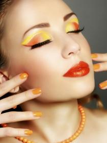 Maquillaje para el verano 2014: vuelven los naranjas