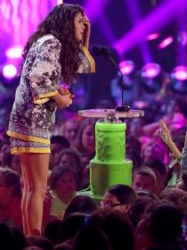 Selena Gomez, premio a la peor vestida de los Kids Choice Awards 2014