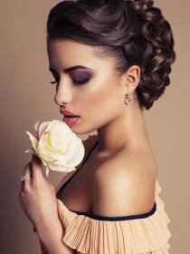 Maquillaje para tez morena: cómo maquillar la piel oscura