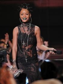 Rihanna, Shakira y Selena Gomez, protagonistas de los iHeart Music Awards 2014