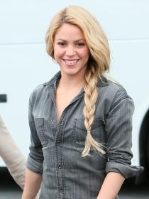 Las sensuales caderas de Shakira, al suelo: su caída rondando un spot publicitario