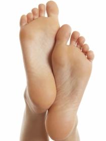 Remedios caseros para eliminar los hongos de los pies