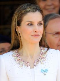 Letizia se rebela con su vestido en su primer día como Reina de España