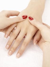 Manicura spa: un masaje de descanso para tus uñas y manos