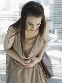 Dolor de estómago por acidez: causas y síntomas más comunes