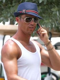 Cristiano Ronaldo, de vacaciones en el paraíso gay sin Irina Shayk