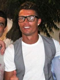 Cristiano Ronaldo se desata en Mykonos: juergón de hombretones
